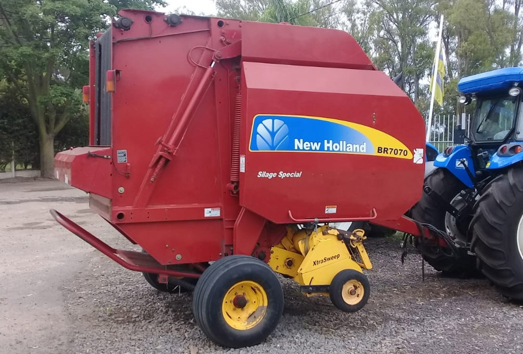 Heno y forraje New Holland Rotoenfardadora New Holland BR7070