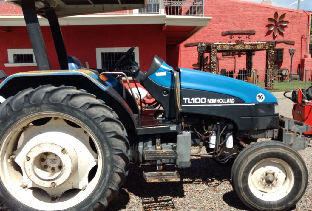 Tractores New Holland Tractor New Holland TL 100